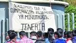 Normalistas de Tenería exigen a las autoridades frenar 'persecución' en su contra