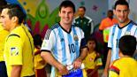 """Messi """"ignora"""" a niño que quería saludarlo"""