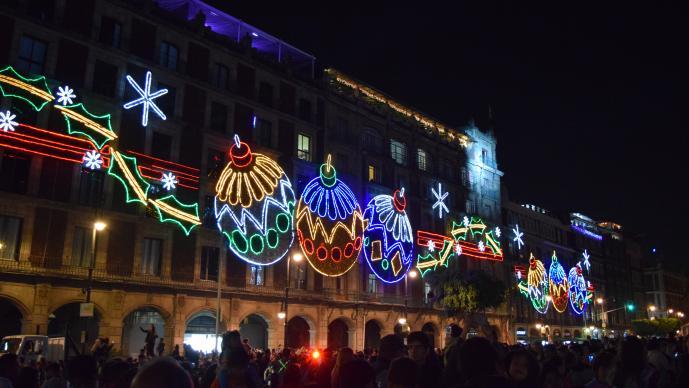 La temporada navideña se adueña del primer cuadro de la ciudad. >>>Fotos por Antonieta Ramos<<<