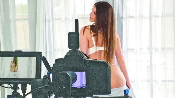 Suspenden grabación de cintas porno en Estados Unidos por Sida