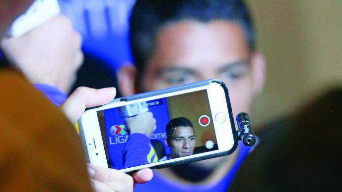 Javier Aquino considera que Chivas invierte más que Tigres
