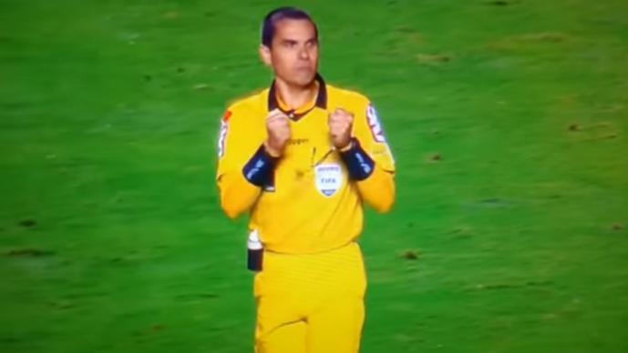 Árbitro festejó tras el empate entre Sao Paulo y Gremio — Brasil