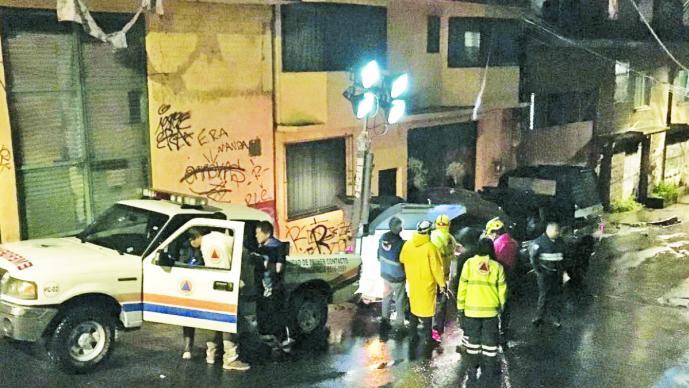 Hallan muerta a niña arrastrada por corriente, en Ciudad de México