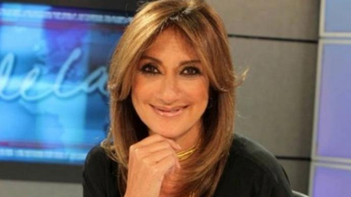 Adela Micha visita TvAzteca y desata rumores