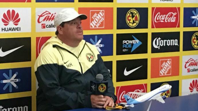 Miguel Herrera externa su molestia por el calendario de partidos