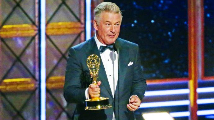 Ganadores, política y Colbert esta noche en los premios Emmy