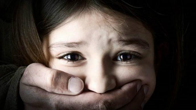 Artigas: Niñas filmó con ceibalita abusos de su padre a otra menor