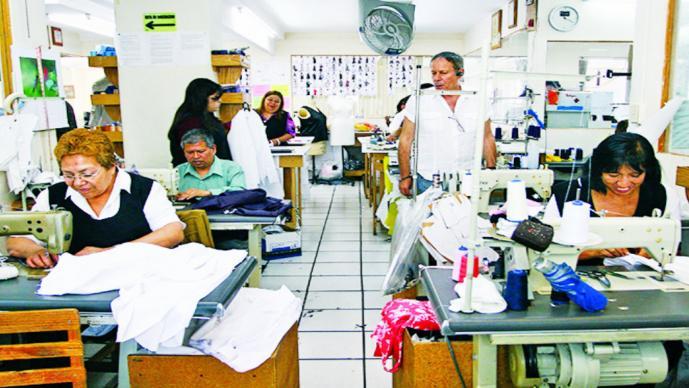 57.2% de la población ocupada, en empleo informal o sin seguro