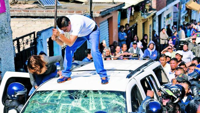 Intento de linchamiento en Cuajimalpa termina en enfrentamiento entre policías y civiles