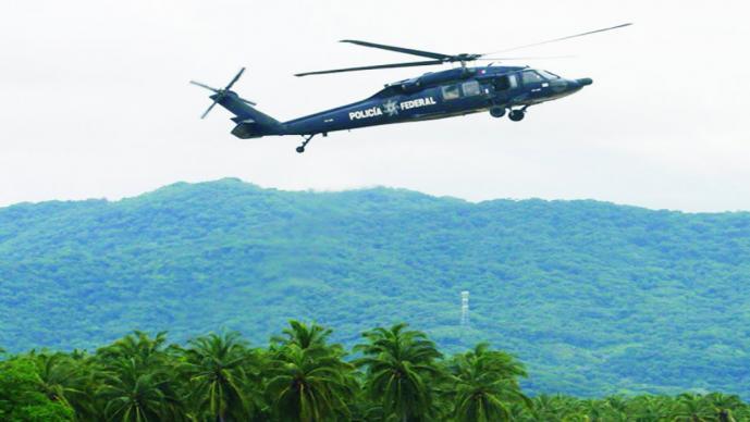Se desploma helicóptero de la Fuerza Aérea en Sierra de Guerrero