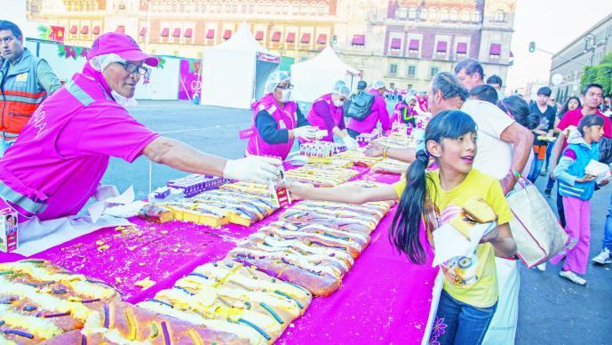 Panaderos estiman repunte en ventas de Rosca de Reyes
