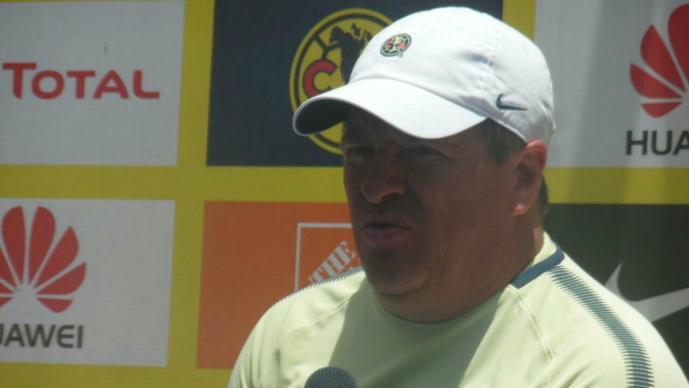 Miguel Herrera ve partido a muerte ante Pumas