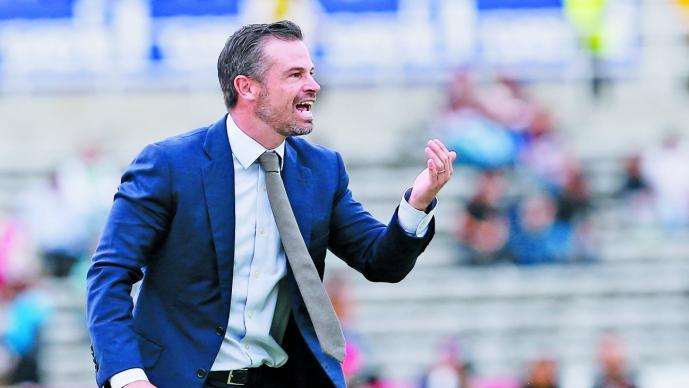 FÚTBOL-DT Puente llega a Querétaro pensando en Europa y selección México