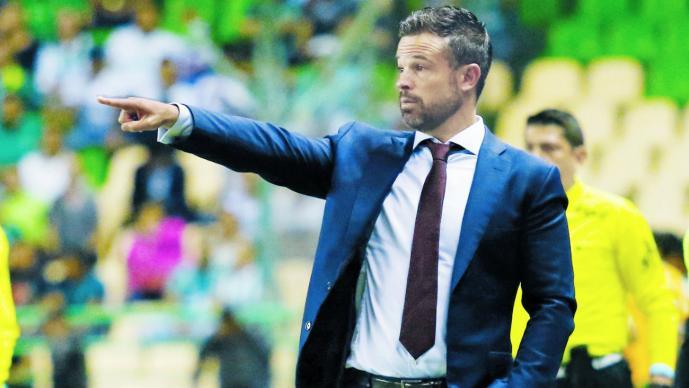 Rafael Puente es presentado como técnico de Gallos del Querétaro