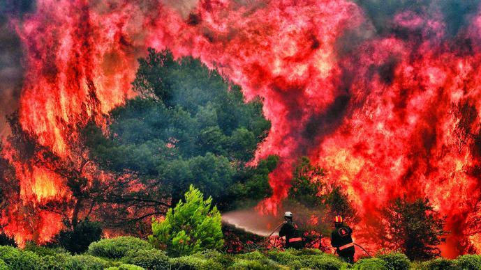 Ascienden a 91 las muertes por incendios en Grecia