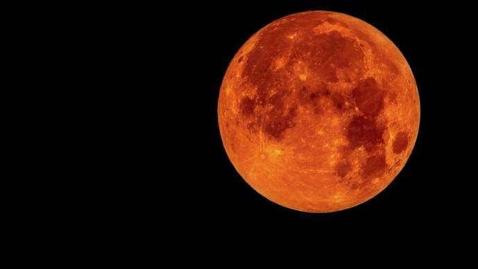 Sigue el eclipse lunar más largo del siglo — Luna de sangre