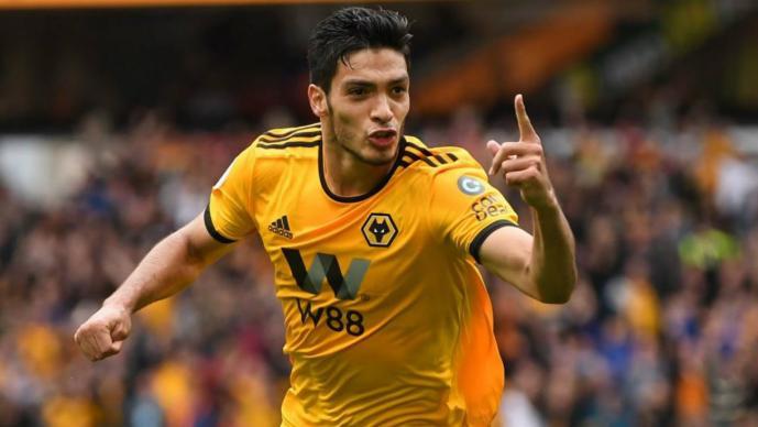 PREMIER LEAGUE Raúl Jimenéz se está adaptando rápido a su nuevo club  El delantero del Wolverhampton jugará por segunda vez en'El Teatro de los Sueños