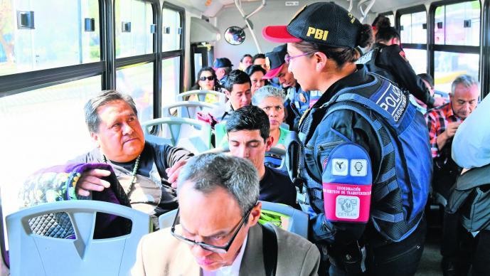 Operativo Transporte Público Policías