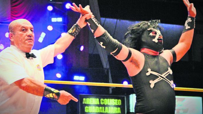 Luchador debut El Difunto arena Coliseo CDMX