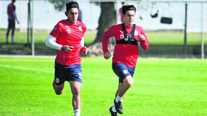 Chivas enfrentamiento Atlas jugadores
