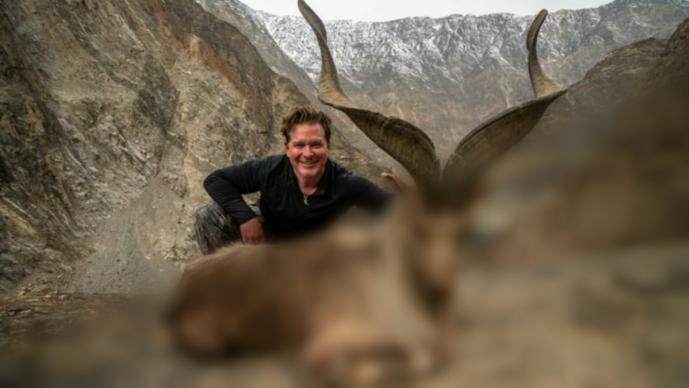 Turista estadounidense paga caza cabra peligro extinción Pakistán