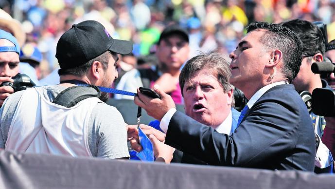 Miguel Herrera denuncia insultos de parte de reportero