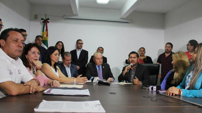 Gobierno Morelos denuncia secretarías despacho