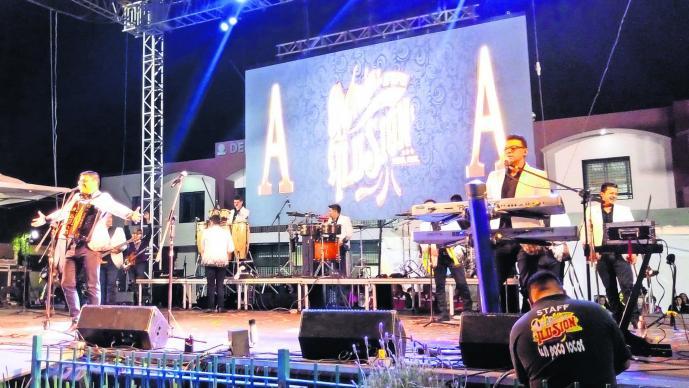 Aarón y su Grupo ilusión Carnaval Xochimilco