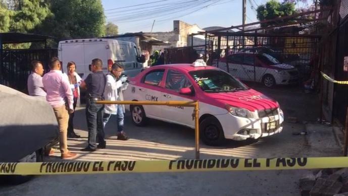 hombre muerto dentro de taxi iztapalapa