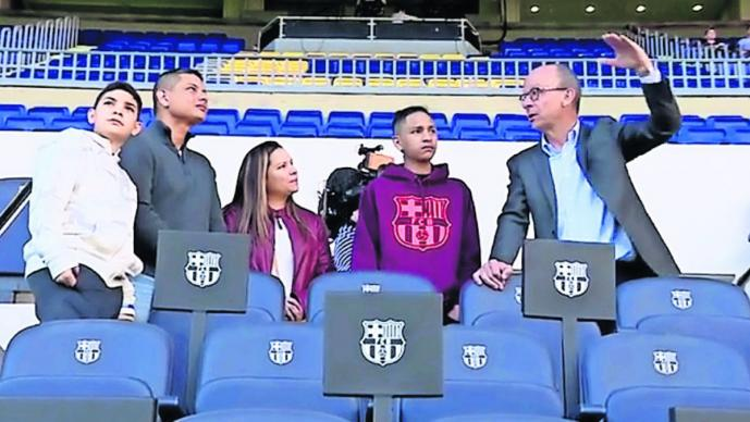 Barcelona premio chavito héroe tiroteo