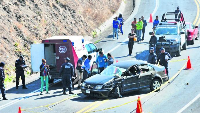 Encontronazo mortal vehículos quiebra familia Almoloya de Juárez