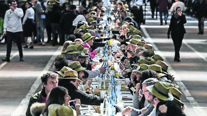 Banquete gigante Mesa de comida Récord Guinness Francia