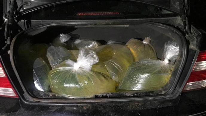 Hallan gasolina dentro bolsas plástico Huauchinango Puebla