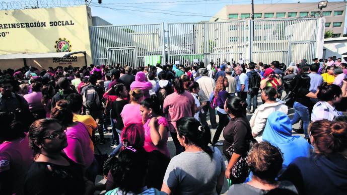 Traslado de presos en Topo Chico
