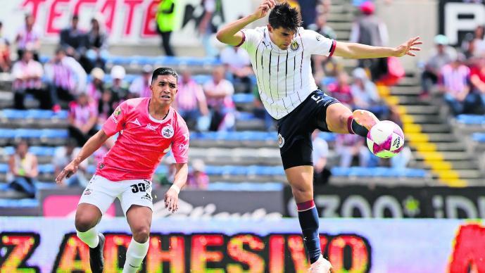 Chivas juega última carta Lobos BUAP