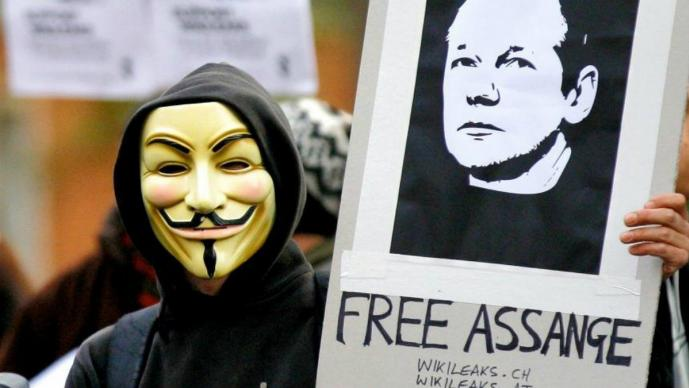 Anonymous exige la liberación Assange