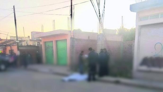 Vecinos de Toluca encuentran cuerpo de hombre que era adicto al alcohol