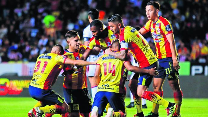 Chivas pierde contra Morelia Tomás Boy