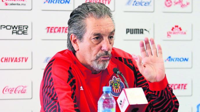 Sancionan a jugadores de Chivas por violar reglamento