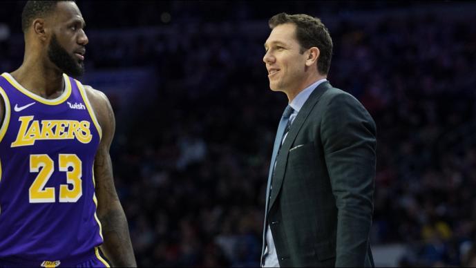 Luke Walton, ex entrenador de los Lakers, fue acusado de abuso sexual