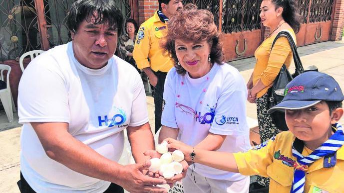 colecta huevo cascarones limpieza río leerma edomex