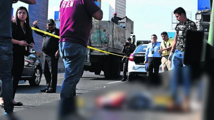 Camión de gas arrolla a hombre Hombre muerto Edomex Naucalpan