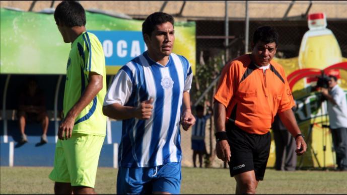 Salvador Cabañas regresa al futbol mexicano como auxiliar técnico