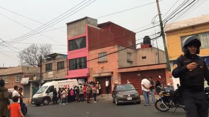 Sicarios llaman a la puerta de un hombre y lo matan en Tlalpan