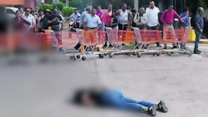 Matan a una exconvicta centro comercial