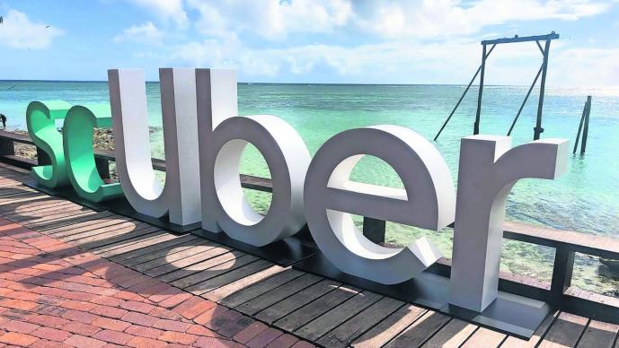 Uber lanza nuevo servicio de submarinos para ir al fondo del mar