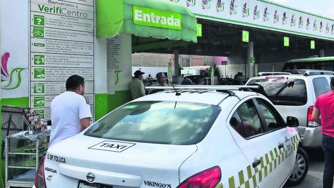 verificentros llenos abbarrotados verificación taxis camiones toluca