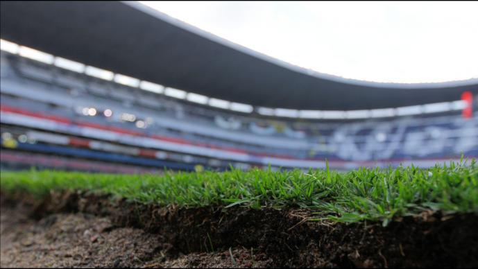 ¡Otra vez! El Estadio Azteca cambiará de pasto