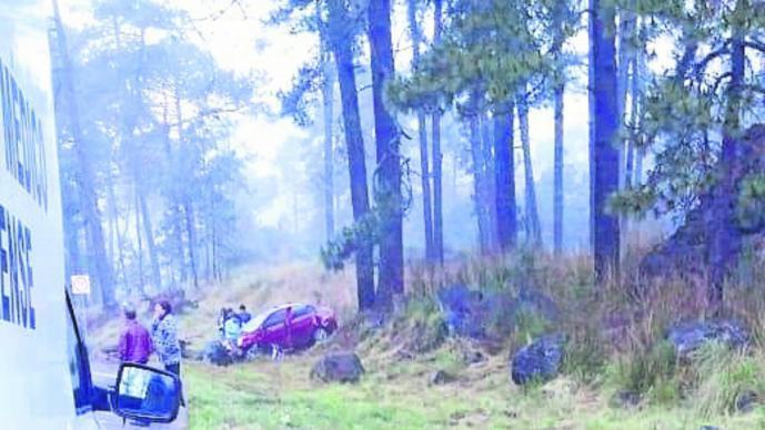 Chavo fallece tras chocar contra un árbol junto a sus amigos en la carretera Cuernavaca-México