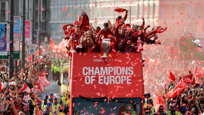 Fiesta masiva en Liverpool por el título de Champions